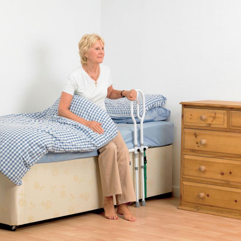Barre d 39 appui de lit avec pied for Chambre urinaire