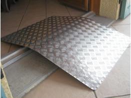 rampe de passage de seuil pour fauteuil roulant acc s pmr matergo. Black Bedroom Furniture Sets. Home Design Ideas