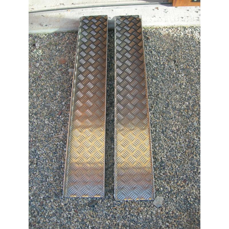 Paire de rampes en aluminium 120 cm t le damier - Tole alu damier ...